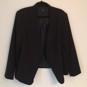 Apt. 9 woman's blazer in 1x.  Lined and beautiful!